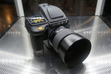Trải nghiệm chiếc máy ảnh trị giá hơn 900 triệu đồng