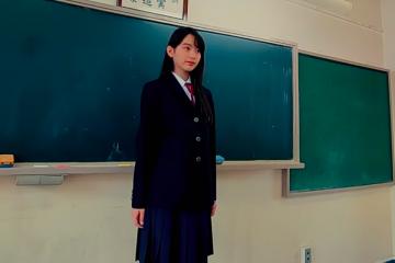 Cảnh quay trường học Nhật Bản được thực hiện bằng Drone siêu nhỏ